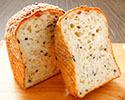 「もちもち米粉食パン」 ※12時以降の受取り