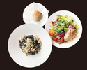 【TAKEOUT】イカスミのタリオリーニ 魚介のラグーソース サラダ、パンセット
