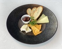 【TAKEOUT】チーズの盛り合わせ Assorted Cheese Plate