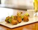 ピリ辛チキンウィングのクリスプフライ ゆず胡椒のアイオリ