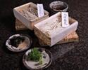 【日本料理 梢】生蕎麦 2種x2名分(蕎麦つゆ、薬味4種付) 2,376円(税込)