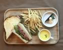USリブロースのローストビーフサンドイッチ