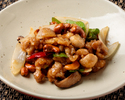 Stir-fried Daisen chicken and cashew nuts
