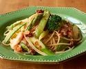 【テイクアウト】蟹とグリーン野菜のペペロンチーノスパゲッティ