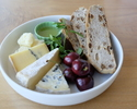 """<Takeout・The Tavern>""""Philippe Olivier"""" Artisan Cheese Plate🧀"""