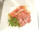 【テイクアウト】イタリア産 生ハムとサラミの盛り合わせ