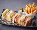 ◆ソファー席でゆっくり過ごすディナープラン 乾杯酒&2時間フリーフローにステーキサンドイッチも