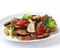 【休日お勧めランチ】牛肉と季節野菜の黒胡椒炒め